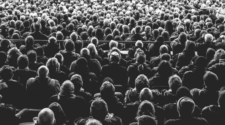 Führung - Krise - Hektik - Menschenmenge